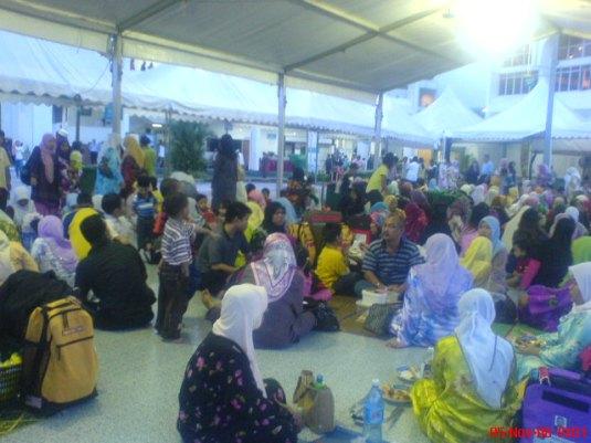crowd at tabung haji